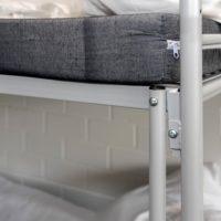 Etagenbett ERIK mit Matratze und Bettwäsche - Detailaufnahme